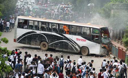 dhaka-road-accident-student